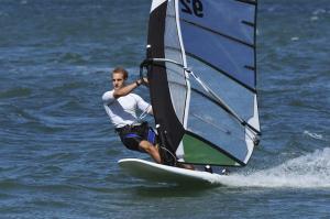 Windsurfen lernen Schiffsmeister in Berlin – Segelschule, Windsurfschule und Bootsfahrschule