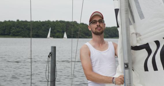 Segeln lernen bei Schiffsmeister in Berlin – Segelschule, Windsurfschule und Bootsfahrschule